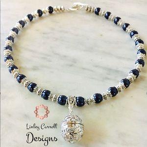 Jewelry - Midnight Blue Swarovski Pearl Necklace w/ Pendant